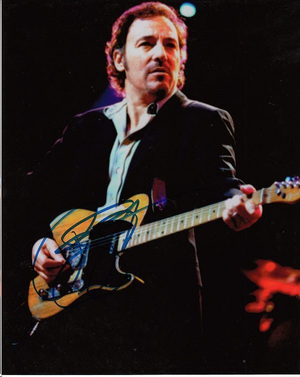 BRUCE SPRINGSTEEN AUTHENTIC SIGNED 8 X 10 PHOTOGRAPH