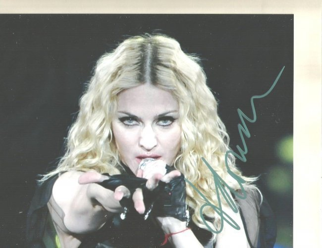 MADONNA AUTHENTIC SIGNED 8 X 10 PHOTOGRAPH #3