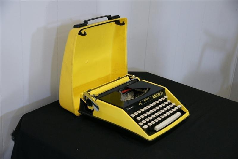 Retro Remington Typewriter