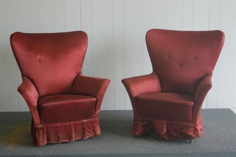 2 Small Italian Lounge Chairs
