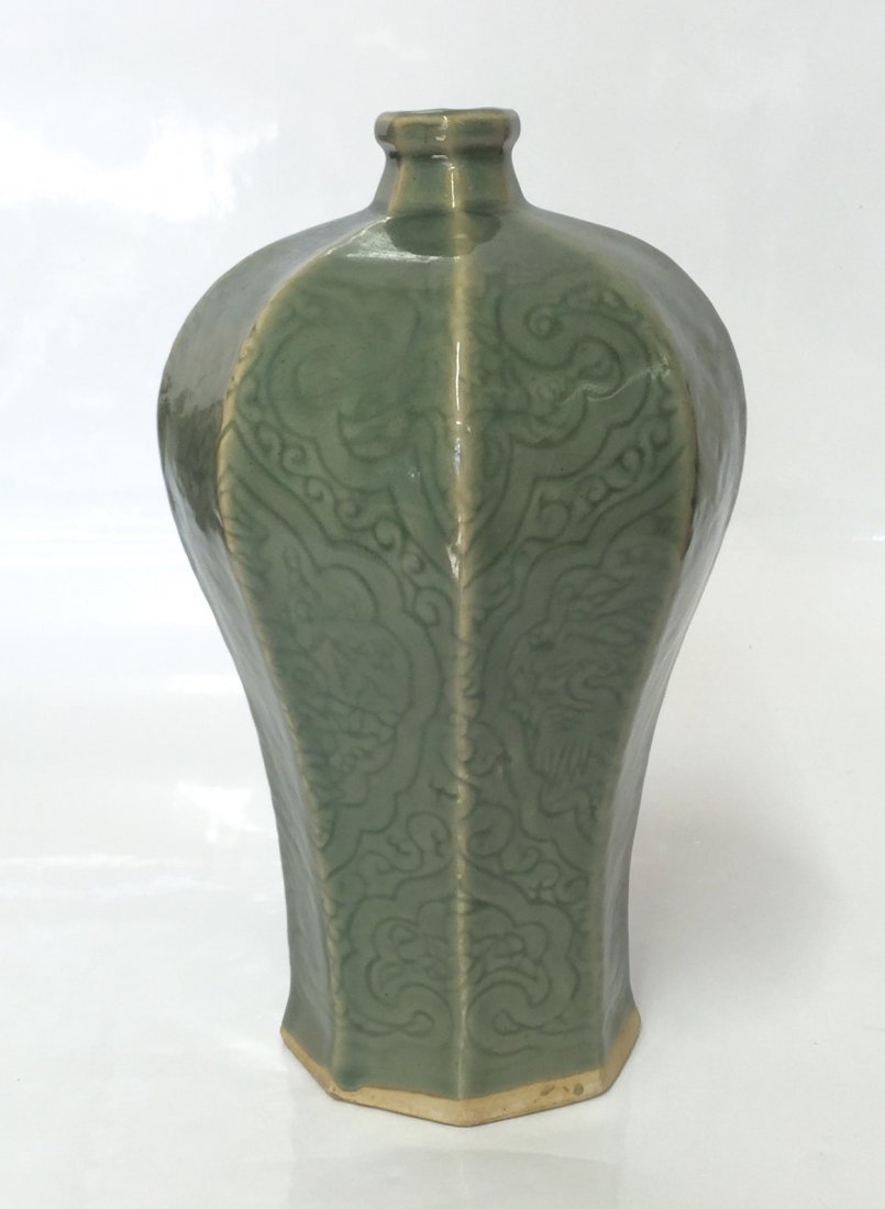 Green glaze 8 sided vase. Ming thru Qing.