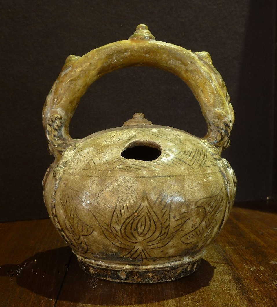 Annamese 18th Century / Lime Pot with Ornated