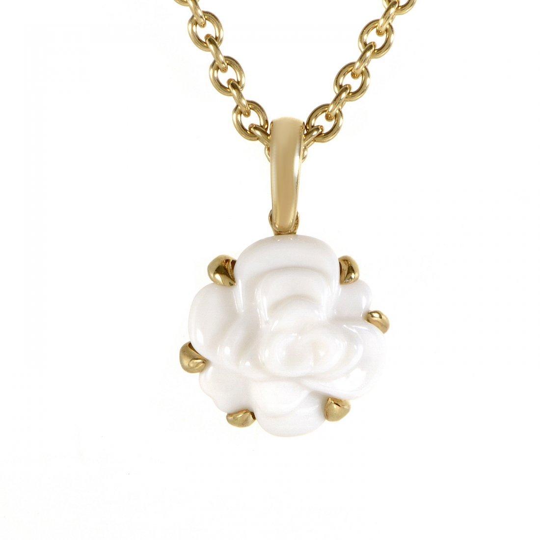 Chanel: Chanel Camélia 18K Yellow Gold White Agate
