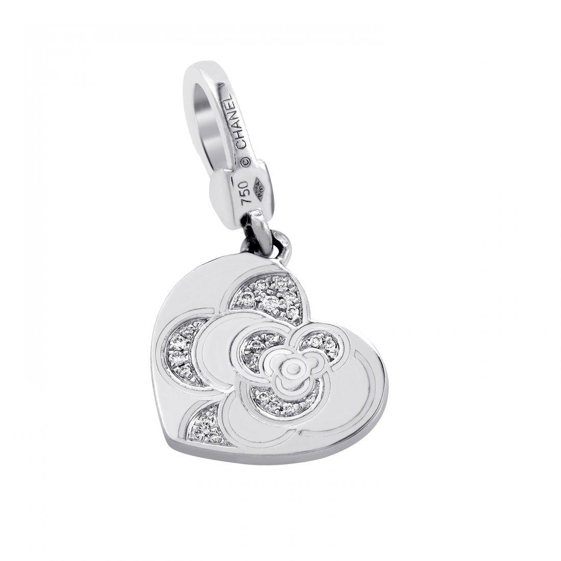 Chanel: Chanel Camélia Heart 18K White Gold Diamond
