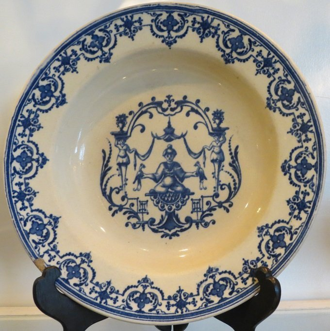 Antique 18th C French Faience Blue & White Pottery - 5