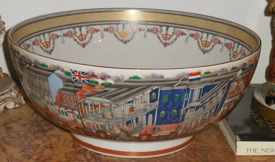 Huge Mottahedeh Winterthur Porcelain Chinese Hong Bowl