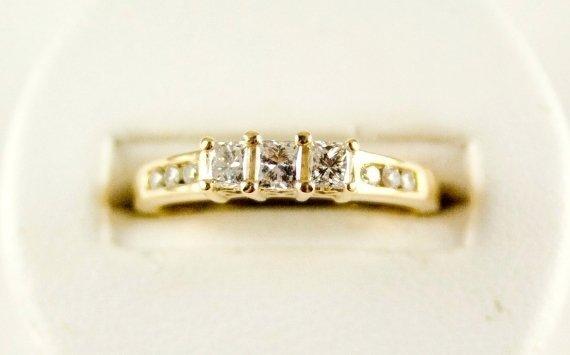 PRINCESS DIAMOND ENGAGEMENT RING GOLD