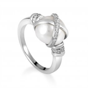 Baie Des Anges Platinum Diamond & Freshwater Pearl Ring