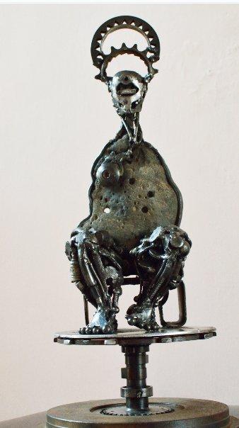 Iron Sculpture-Tino Narcia-Evil Queen