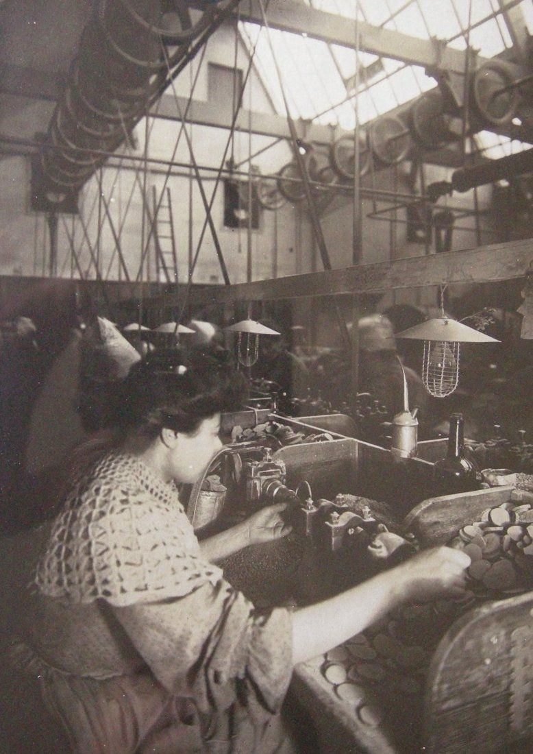 Rosaries being made in French factory