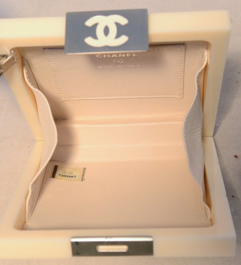 RARE Chanel Cream Resin Box Clutch Wristlet - 5