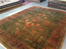 10'X12' FINE HAND-KNOTTED WOOL RUG IN VINTAGE DESIGN