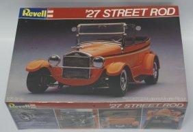 Vintage 1982 Revell 1927 Ford Model T Touring Street