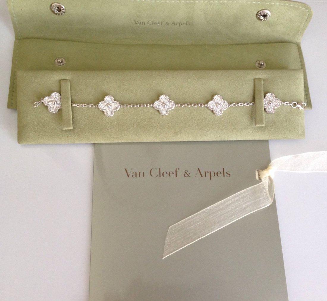 Van Cleef & Arpels:18K Gold Alhambra Bracelet