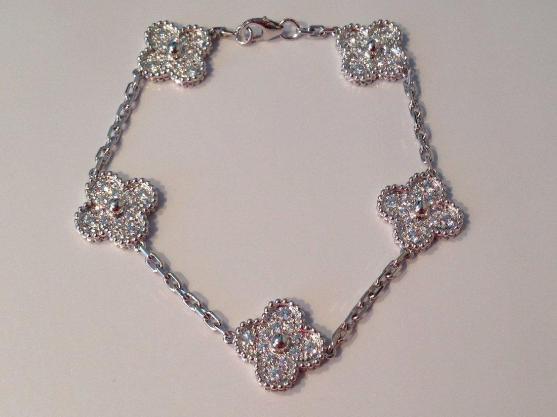 Van Cleef & Arpels:18K Gold Alhambra Bracelet - 5