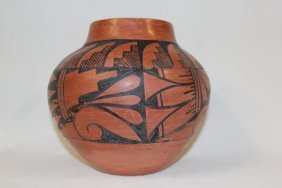 Pottery Jar : Native American Jemez Pottery Jar, Signed