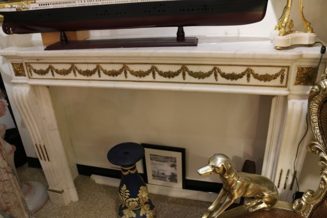 One early 20th Century Italian white marble fireplace