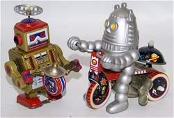 Set of 2 Tin Wind-up Robots