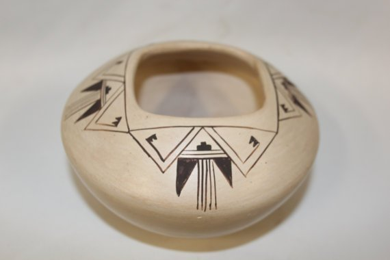 Native American Hopi Pottery Bowl, Signed By Blue