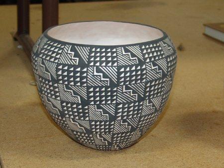 Very Good Black On White Acoma Pottery Jar By Tina