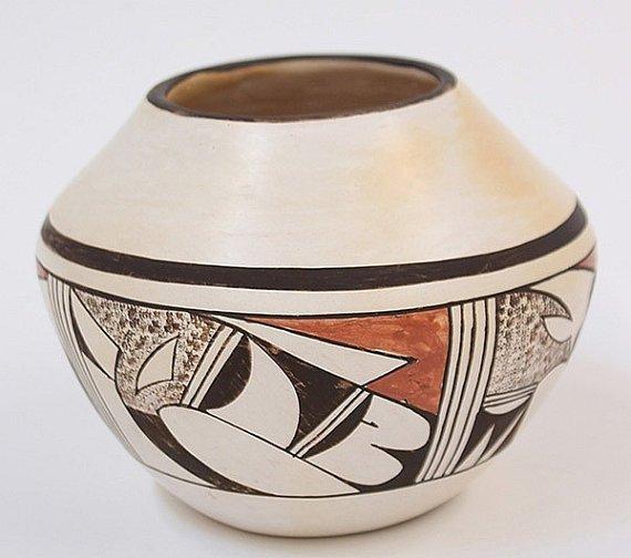 Native American Hopi Polychrome Pot, By Fawn