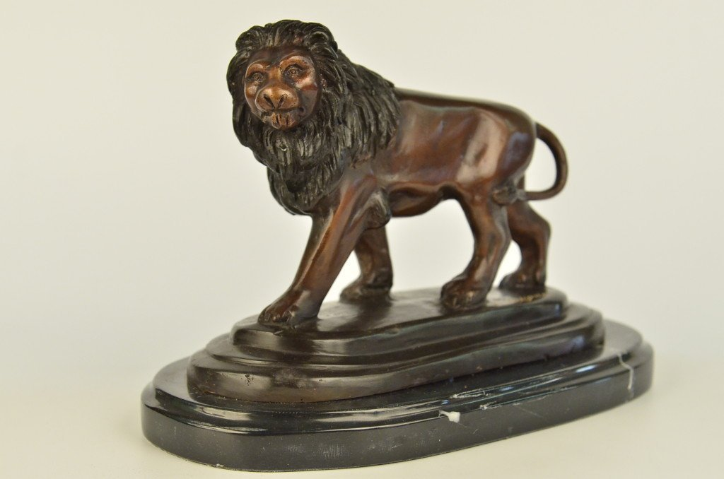 Decorative Bronze Lion Sculpture on Marble Base
