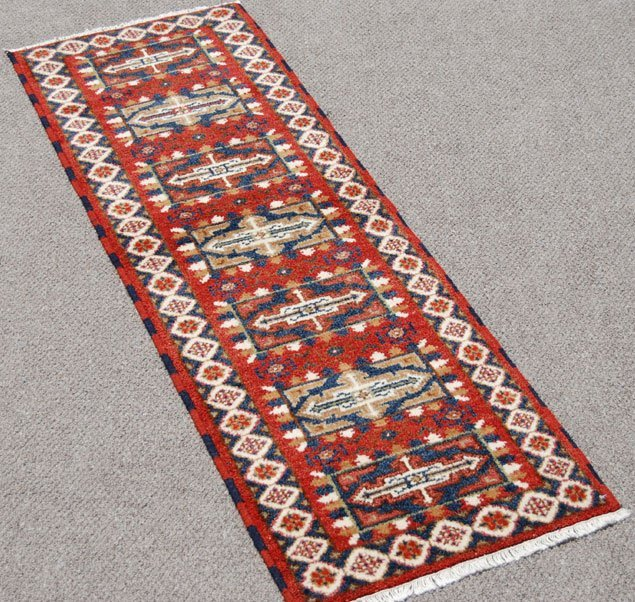 ABSOLUTELY STUNNING HANDMADE KAZAK DESIGN RUNNER