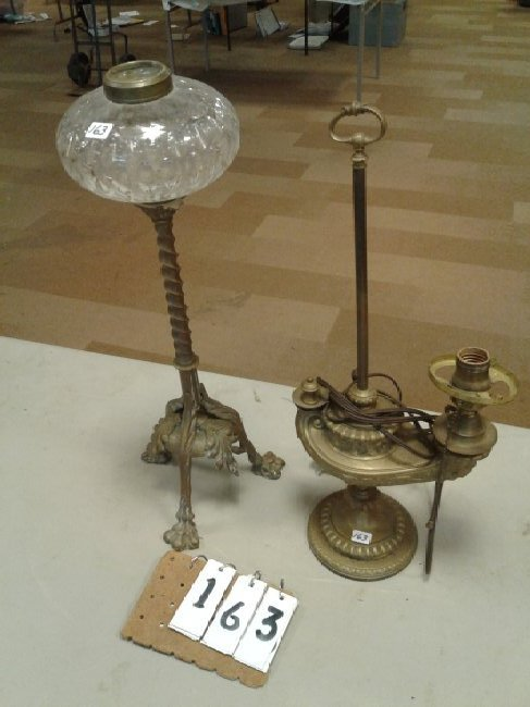 Brass Clawfoot+Genie Lion Head Lamp
