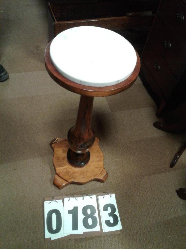 1900 Maple Pedestal Round Table