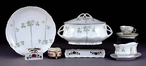 519: Collection Limoges porcelain items