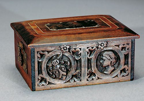 507: Arts and Crafts carved wood box