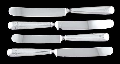 520: Four Reed & Barton Antique pattern sterling knives