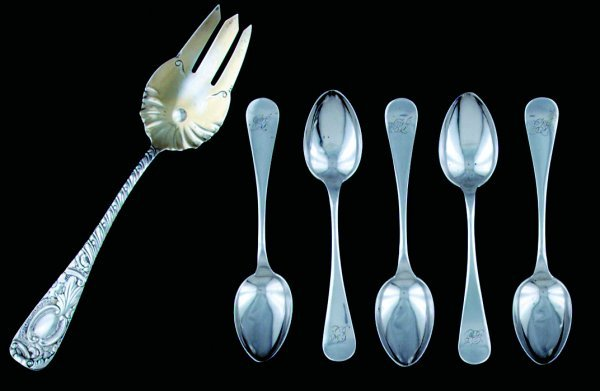 16: Collection American sterling flatware