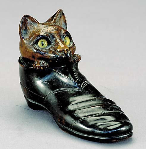 512: German carved wood Puss-in-boots inkstand