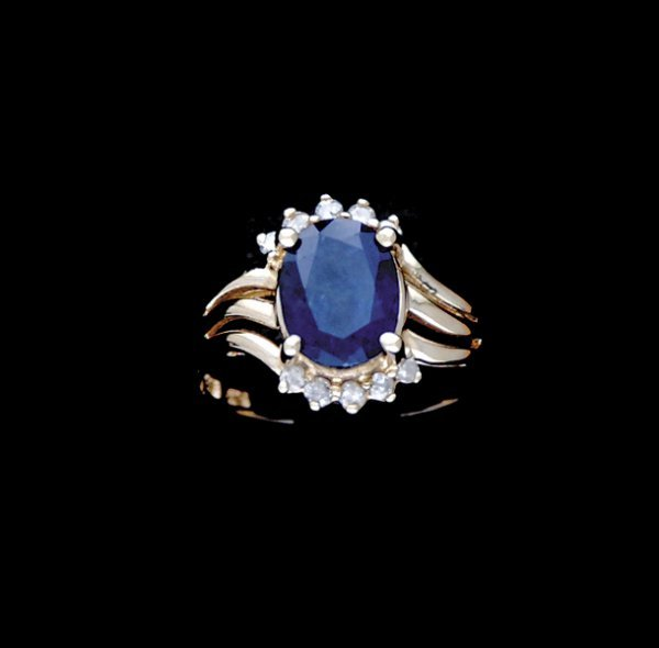 2004: Lady's sapphire and diamond ring