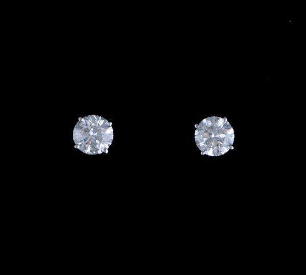 2008: Diamond stud earrings