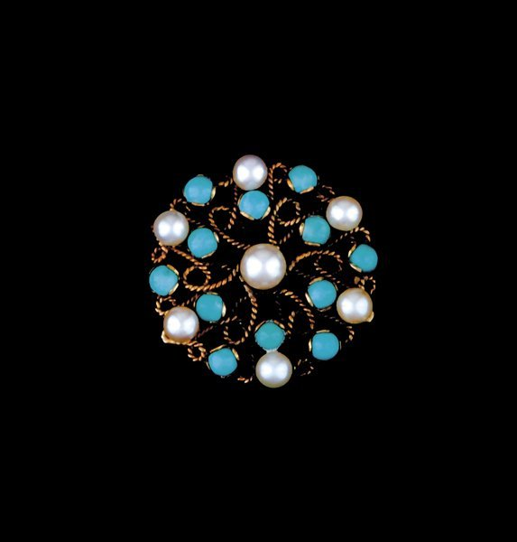 2009: Cultured pearl and turquoise brooch