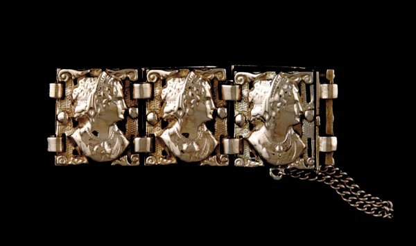 2015: Gold bracelet