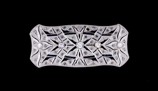 2018: Art Deco diamond brooch
