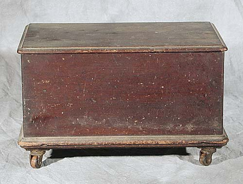 007: American miniature blanket chest  Date: