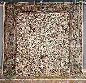 425: Persian hunting Tabriz.  Size: 9' x 12'