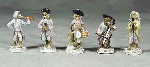 011: German porcelain animal band   20th century   pain