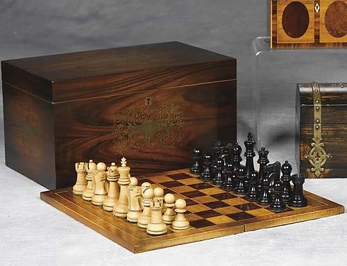 009: Tournament-size chess set in rosewood and brass bo
