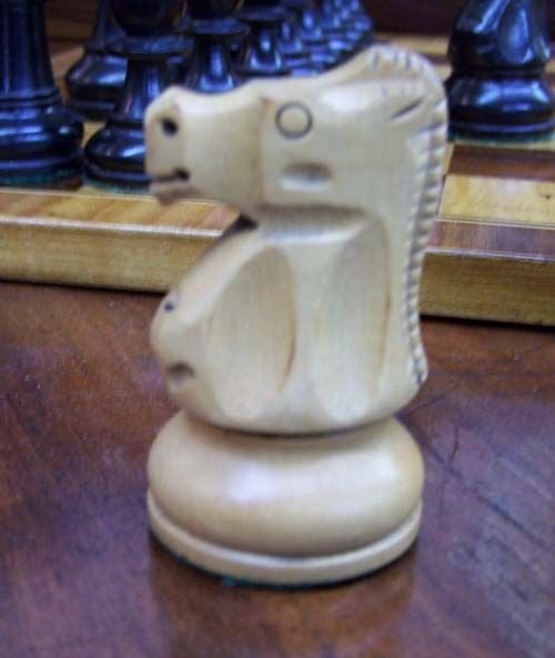 009: Tournament-size chess set in rosewood and brass bo - 5