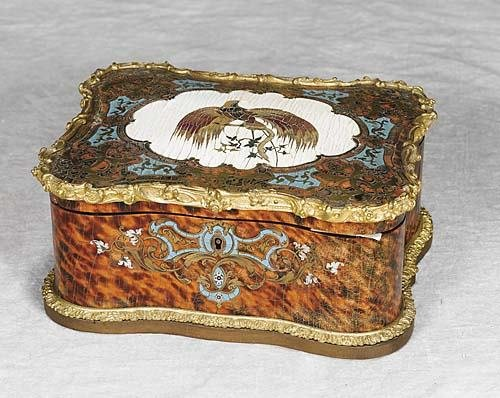 013: Continental boulle and tortoise trinket box late 1