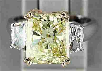 110: Platinum and yellow diamond ring platinu