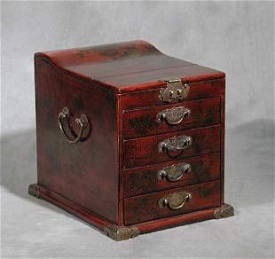 020: Chinese red lacquered box waved top fold