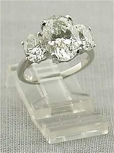 181 D: Platinum and diamond ring center oval