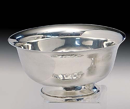 423: American sterling silver bowl in the Pau