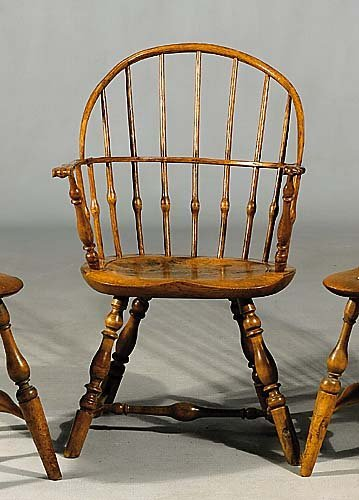 473: Windsor oak and maple hoopback armchair early 19th